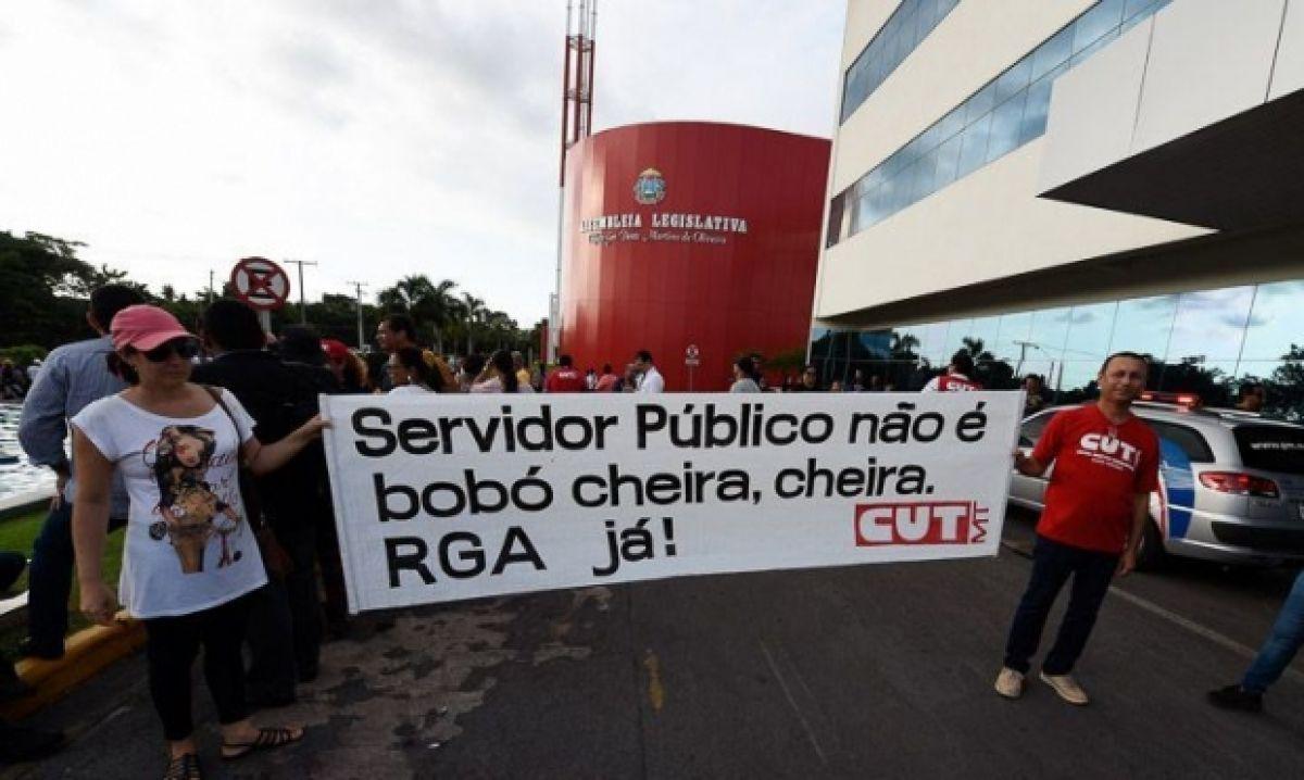 Divulgação - Servidores do Estado exigem do Governo o pagamento do RGA e ameaçam com greve