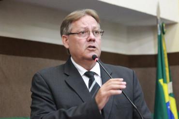 Gilberto Figueiredo, secretário de Saúde, que divulga os casos de vírus em MT