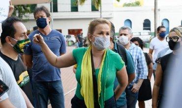 Defanti - protesto